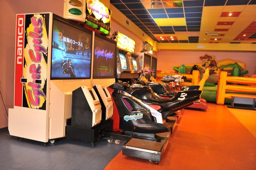 Игровые автоматы братск зал онлайн казино игровые автоматы скачать